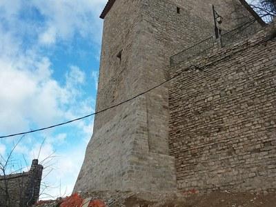 Acabada la consolidació i restauració de la Torre del Castell de Vergós Guerrejat (Estaràs).