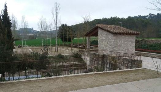 L'Ajuntament d'Estaràs disposa de Brigada Municipal als diferents pobles del municipi.